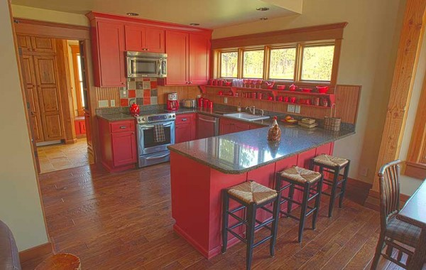 Timber Home In Custer, A dramatic red-themed Guest House