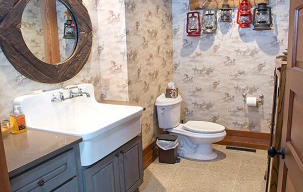 Timber Home In Custer, Architectural design Bathroom